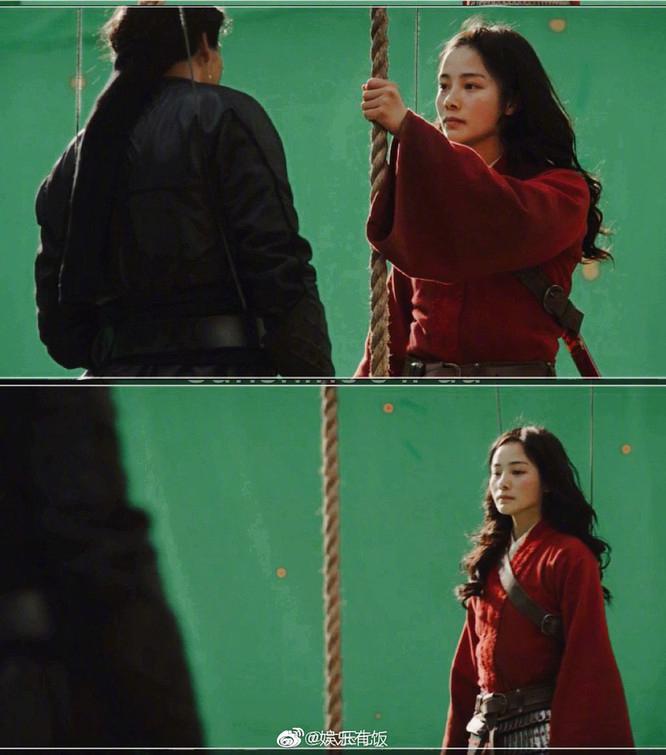 Nữ diễn viên đóng thế được khen thần thái át cả Lưu Diệc Phi: Ngoài đời  - Ảnh 2.
