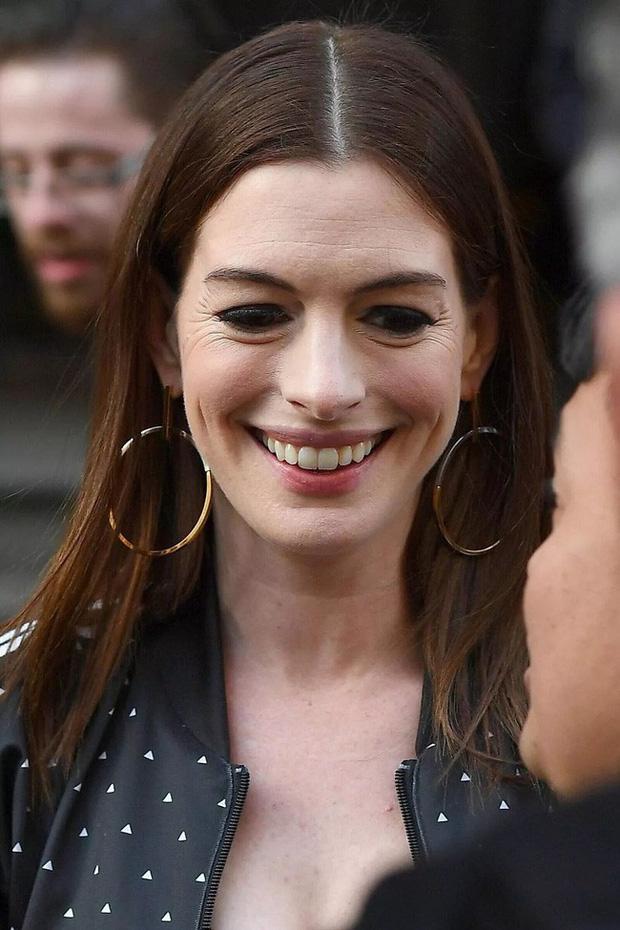 """Kim Tae Hee tuổi 40 lão hóa có gì lạ, """"nữ thần sắc đẹp đương đại Hollywood"""" Anne Hathaway tuổi 38 còn già nua thế này cơ mà - Ảnh 5."""