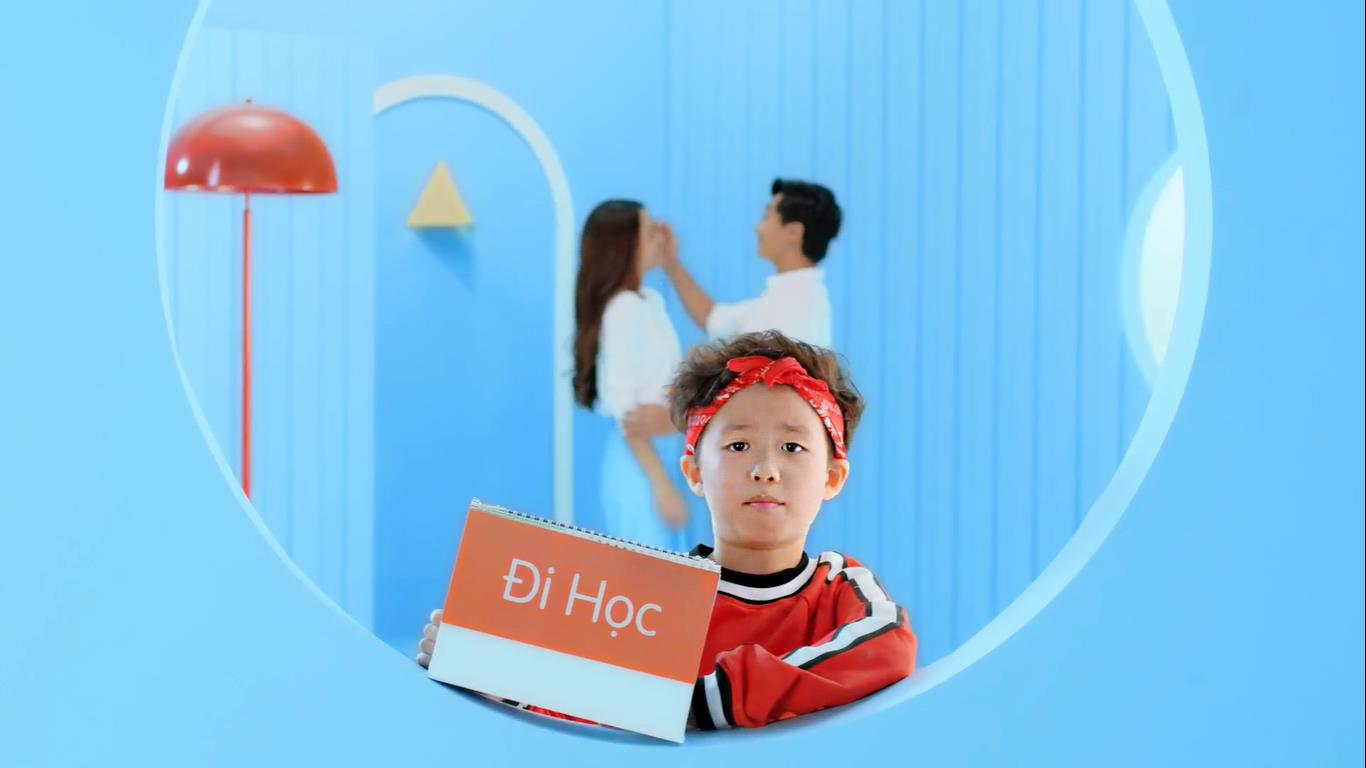 Từ chán học, rapper nhí Piggy gây bất ngờ khi thích thú đến trường trong MV mới - Ảnh 1.