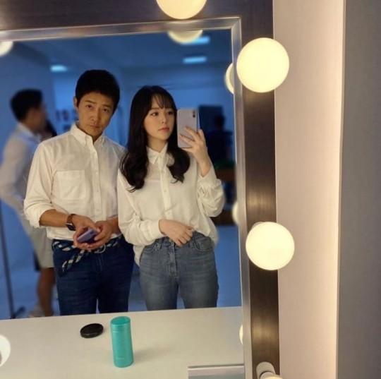"""Ái nữ 20 tuổi nhà tài tử """"Mối Tình Đầu"""" bất ngờ gây bão mạng xã hội Hàn Quốc nhờ nhan sắc đẹp không kém gì hoa hậu  - Ảnh 1."""