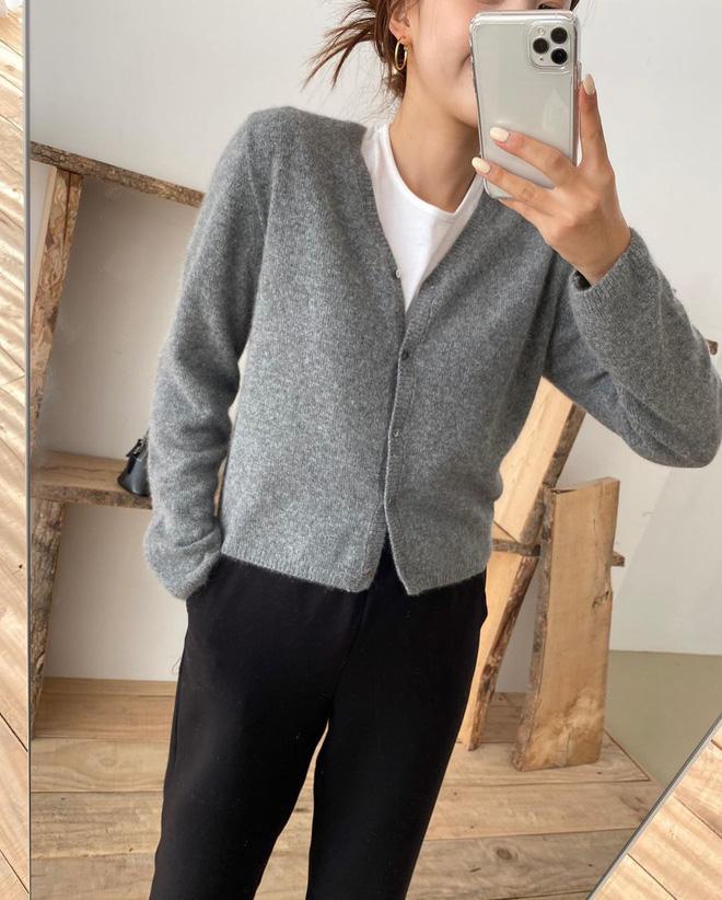 Chỉ là 2 dáng áo len cơ bản nhưng lại có sức mạnh cải thiện style ghê gớm, có đủ thì bạn khỏi lo mỗi sáng mặc gì - Ảnh 15.