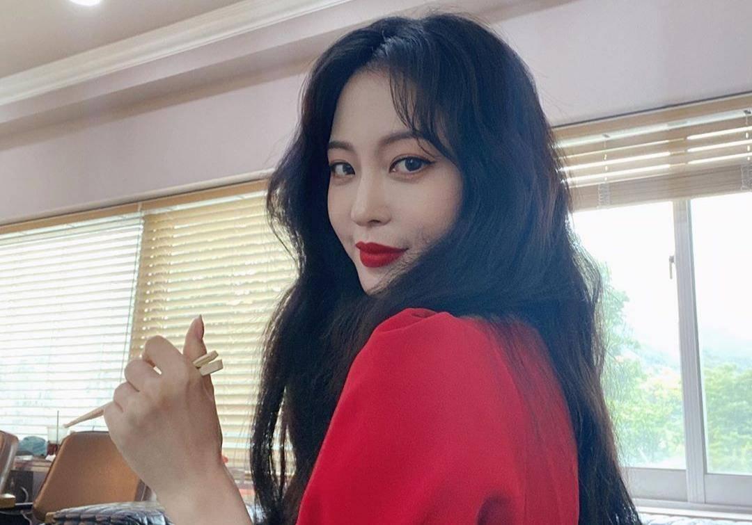 BXH top 10 mỹ nhân đẹp nhất xứ Hàn: Hoàn mỹ như Song Hye Kyo, Son Ye Jin vẫn phải lùi bước trước một người đẹp 49 tuổi  - Ảnh 7.