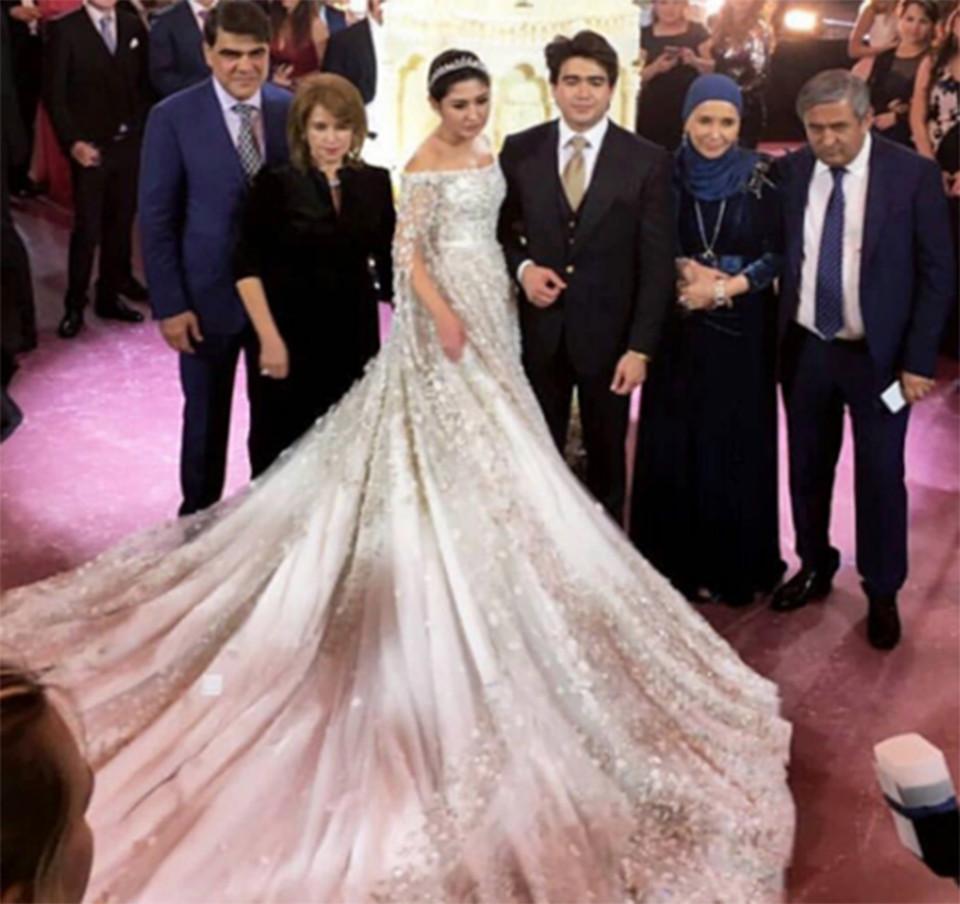 4 năm sau đám cưới xa hoa với chiếc váy 14 tỷ đồng, bánh cưới cao hơn 3m, cuộc sống của tiểu thư giàu có bậc nhất nước Nga ra sao? - Ảnh 4.