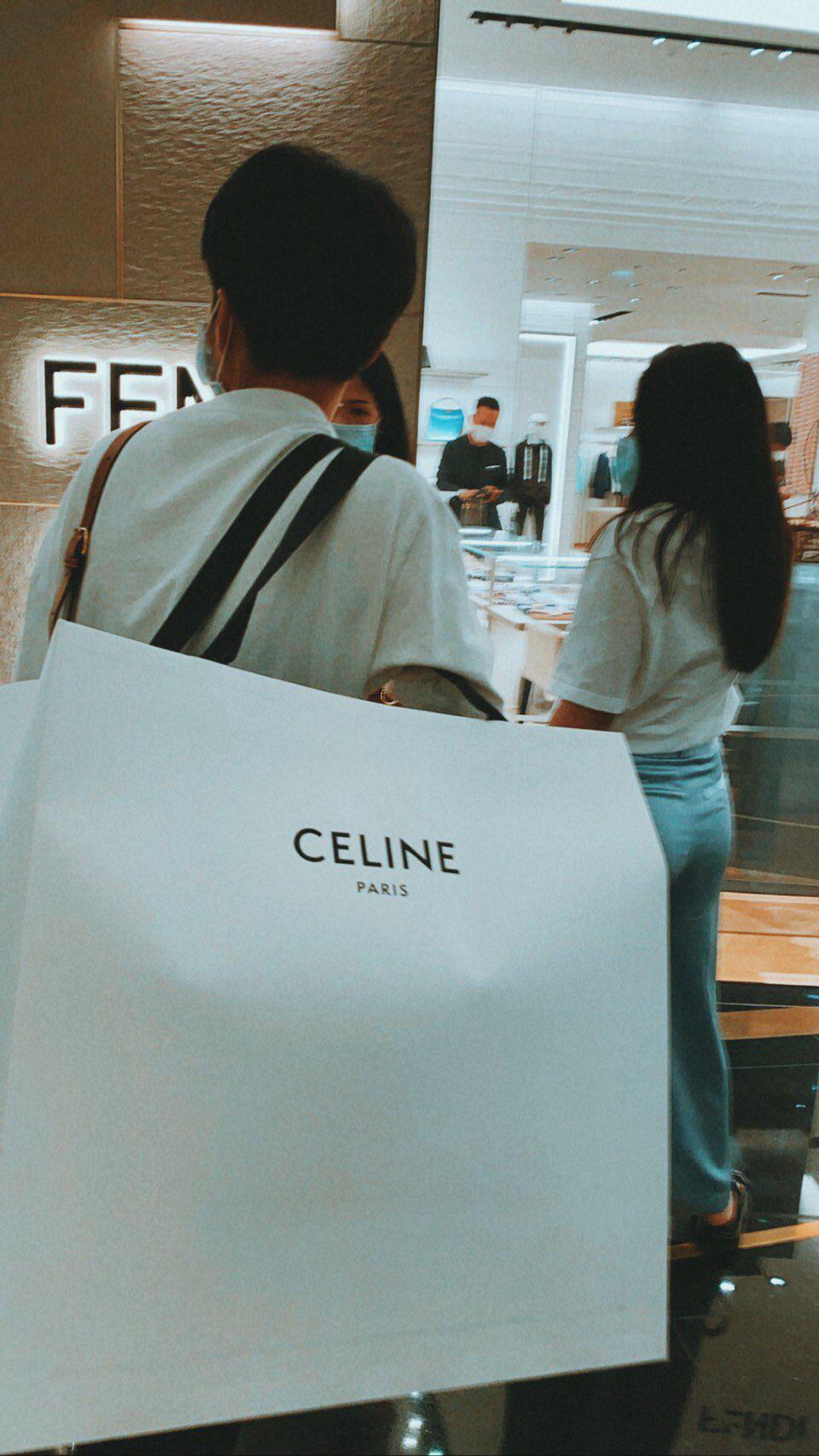 Nể fan của Lisa: Chốt đơn liên tục, mua cả tá đồ Celine mừng idol thành đại sứ toàn cầu - Ảnh 6.