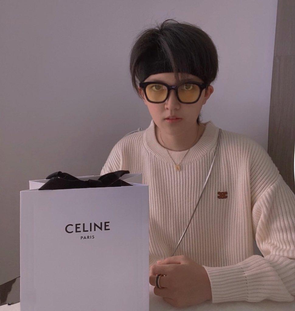 Nể fan của Lisa: Chốt đơn liên tục, mua cả tá đồ Celine mừng idol thành đại sứ toàn cầu - Ảnh 2.