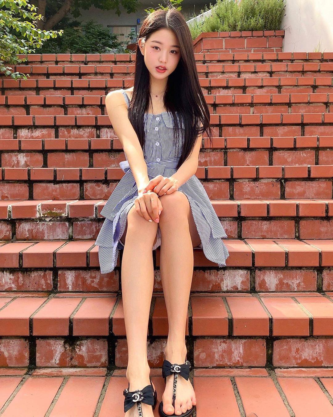 11 set đồ đời thường xinh trẻ của sao Hàn là ý tưởng mặc đẹp của chị em - Ảnh 5.