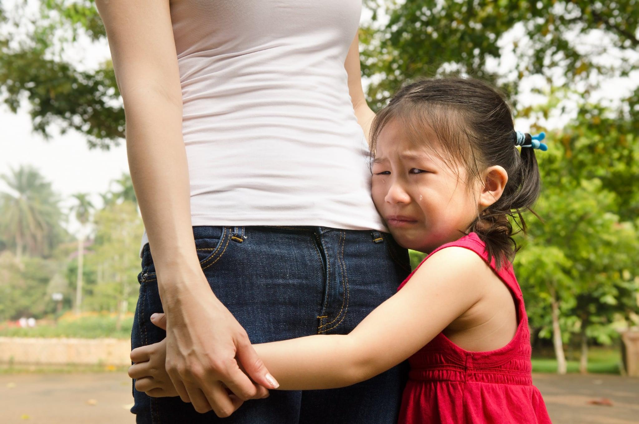 Thấy mẹ chồng giật đồ chơi từ tay con trai mang qua cho cháu gái, bà mẹ đã lên tiếng kêu gọi các cha mẹ khác: Hãy ngưng dạy con biết chia sẻ - Ảnh 3.