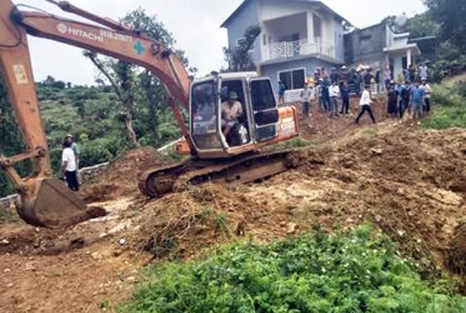 Ba học sinh chết đuối trong hồ nước tưới cà phê - Ảnh 1.