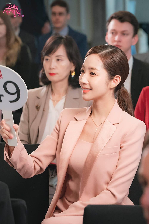 3 kiểu blazer sao Hàn hay diện trong phim, đã đẹp tinh tế còn không bao giờ lỗi mốt, nàng công sở rất nên học theo - Ảnh 4.