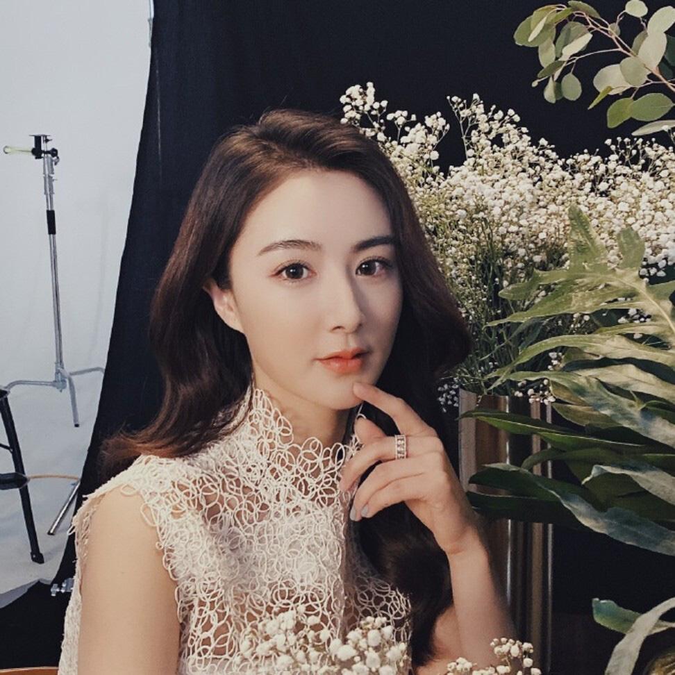 Phạm Gia, Dương Mịch, Angela Baby đổ xô đi livestream bán hàng: Người gây choáng vì doanh thu khủng, người lại hơi fail - Ảnh 2.