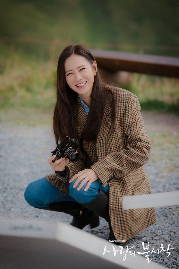 3 kiểu blazer sao Hàn hay diện trong phim, đã đẹp tinh tế còn không bao giờ lỗi mốt, nàng công sở rất nên học theo - Ảnh 8.