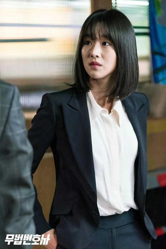 3 kiểu blazer sao Hàn hay diện trong phim, đã đẹp tinh tế còn không bao giờ lỗi mốt, nàng công sở rất nên học theo - Ảnh 11.
