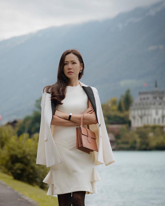 3 kiểu blazer sao Hàn hay diện trong phim, đã đẹp tinh tế còn không bao giờ lỗi mốt, nàng công sở rất nên học theo - Ảnh 5.