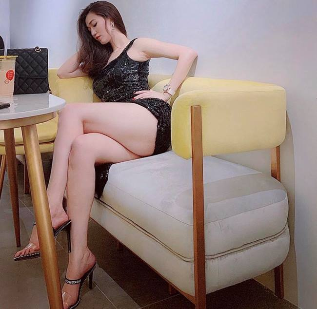 Lại chuyện dáng ngồi khi diện váy ngắn: Bảo Thy, Hương Giang suýt hớ hênh, ngồi thế nào cho thật tinh tế cũng là một kỹ năng - Ảnh 4.