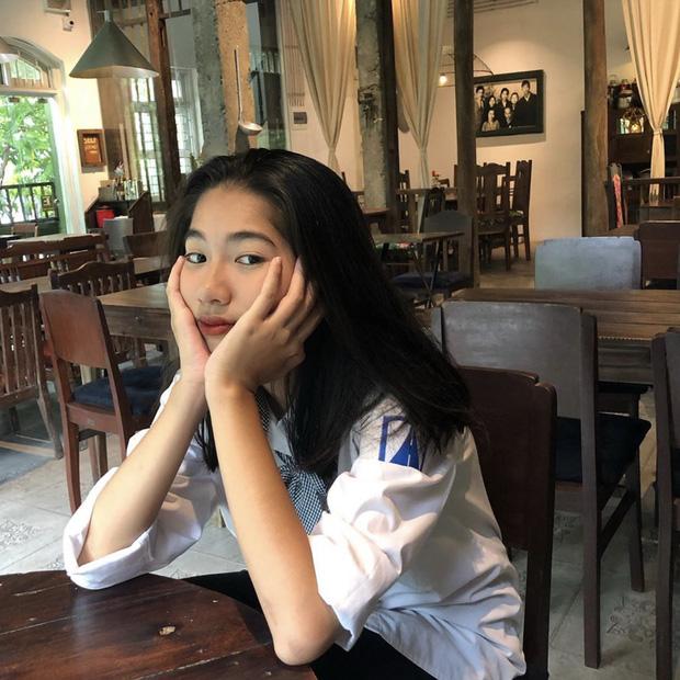 Soi nhan sắc đời thường của dàn thí sinh Hoa hậu Việt Nam 2020: Hầu như ai cũng có sự khác biệt với ảnh dự thi, thậm chí còn lộ gương mặt già hơn tuổi - Ảnh 13.