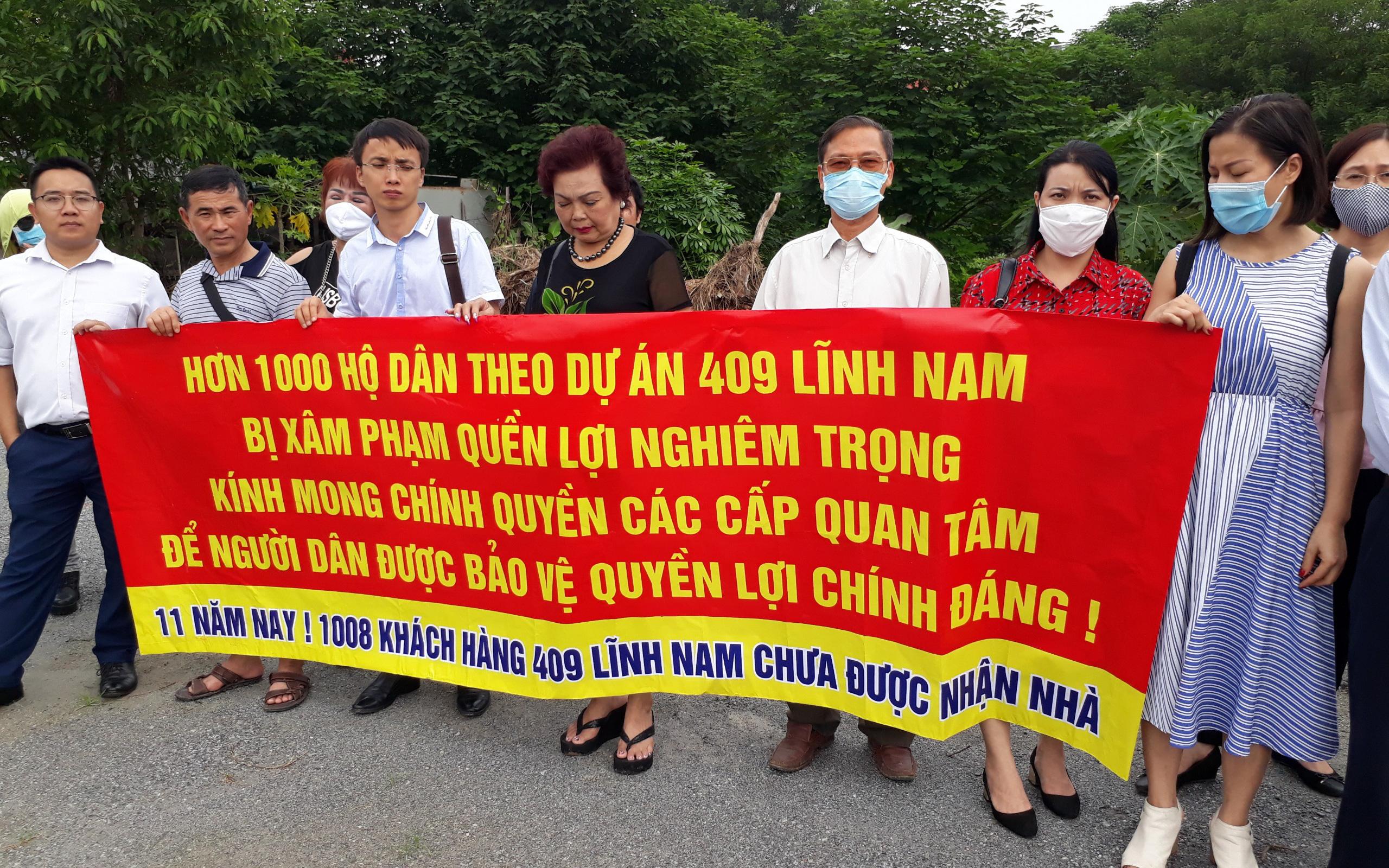 Hà Nội: Chủ đầu tư đi tù, 1.008 gia đình khốn khổ chờ 11 năm mà chung cư vẫn trơ bãi cỏ hoang, người lâm cảnh nợ nần chồng chất, người chết vì uất hận