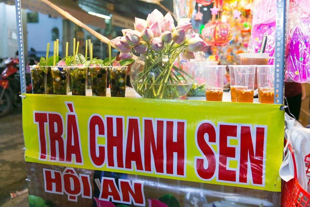 Đến phố lồng đèn ngỡ như lạc vào lễ hội ẩm thực của Sài Gòn, lạ miệng từ món Tây đến món ta - Ảnh 6.