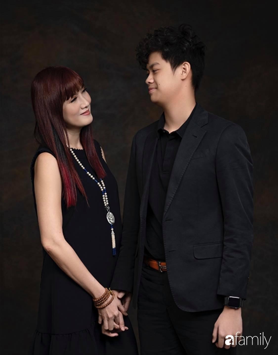 """Con trai diễn viên Hiền Mai: Hồi nhỏ ốm nhom vì suy dinh dưỡng, mẹ cho ăn """"cơm vàng"""" giờ 16 tuổi cao 1m80"""