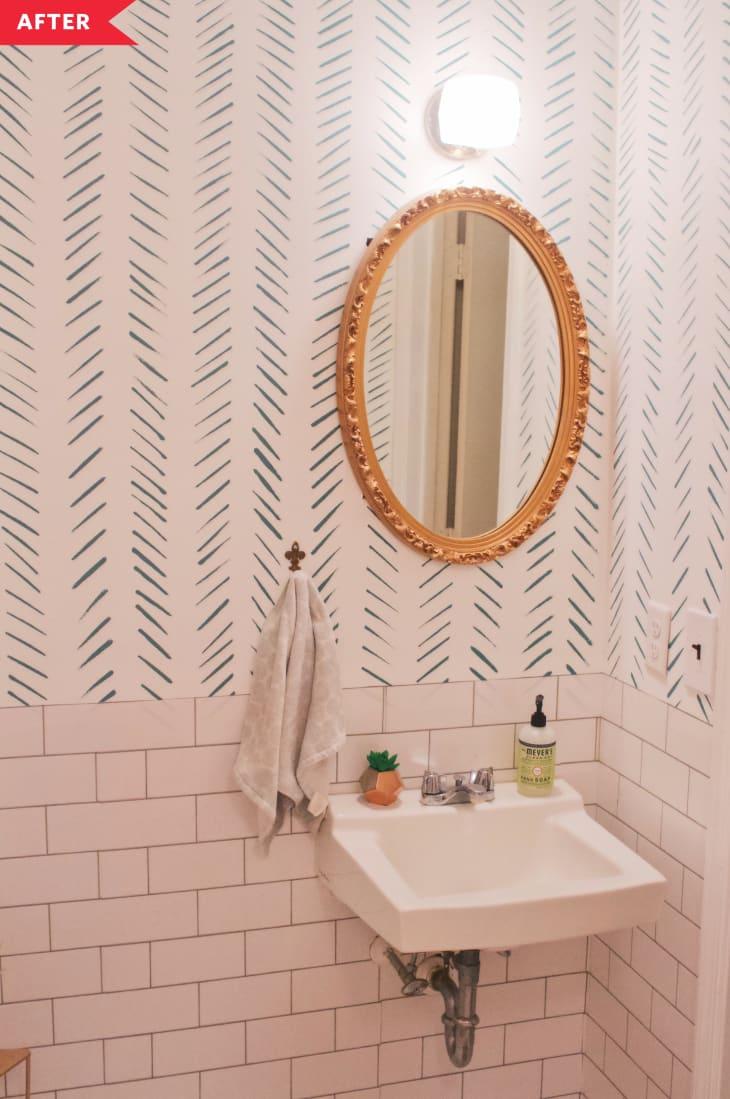 Cải tạo phòng tắm với giá siêu rẻ nhưng không gian đẹp lạ chỉ trong nháy mắt - Ảnh 3.