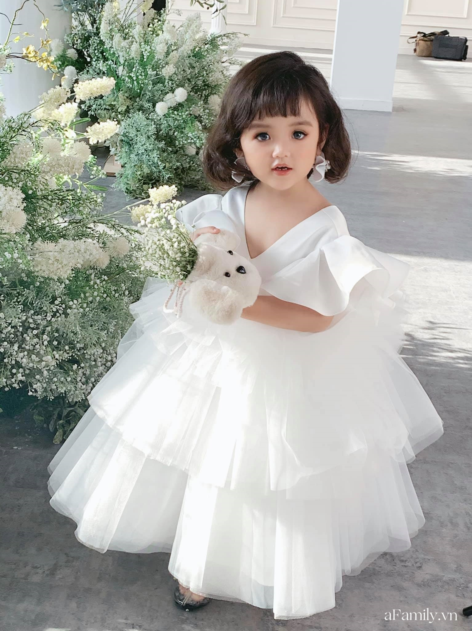"""Nghỉ ở nhà mùa dịch, mẫu nhí 3 tuổi có cát xê cao nhất nhì Hà thành vẫn có thu nhập """"khủng"""" nhờ chụp ảnh tại gia - Ảnh 2."""