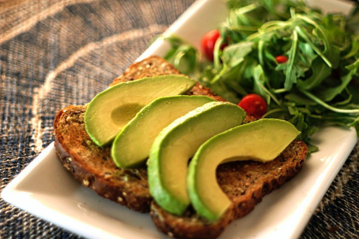 """Nếu ở """"thời điểm vàng"""" này trong ngày bạn ăn 1 quả bơ sẽ vừa chống ung thư lại giảm cân, đốt cháy chất béo hiệu quả - Ảnh 2."""