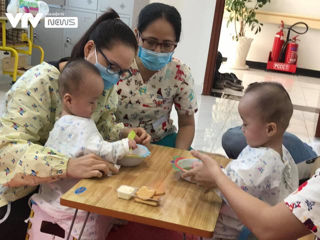 Chị em Song Nhi rủ nhau đua xe, bắt đầu những bài học đầu tiên - Ảnh 3.