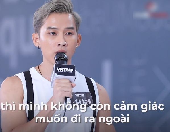 """Vietnam's Next Top Model: Nam Trung trải lòng với thí sinh chuyện từng bị miệt thị vì """"mặt rổ, răng hô"""", lôi cả bố mẹ để chì chiết - Ảnh 5."""