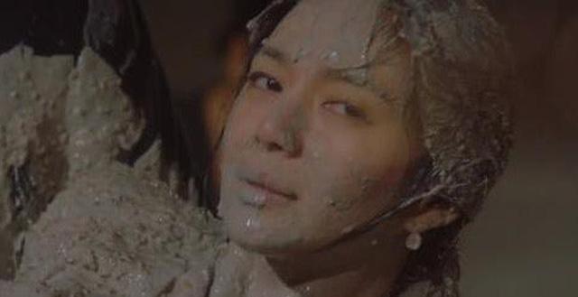Loạt phim Hàn nhận lệnh phạt vì nhiều lý do: Ji Chang Wook khỏa thân đánh nhau, Kim Soo Hyun để gái xinh sờ soạng văng tục - Ảnh 6.