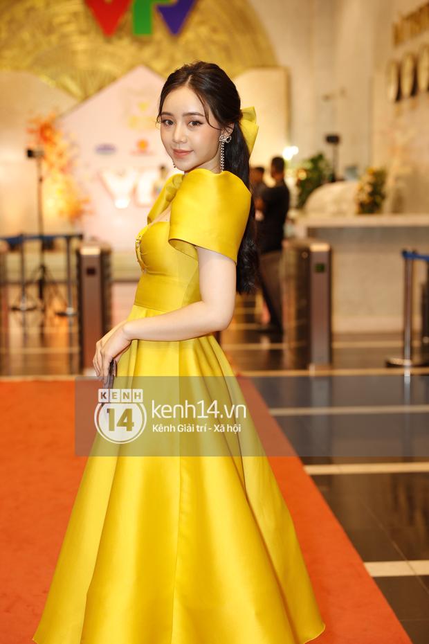 Thấy bất công thay cho Quỳnh Kool: Thường ngày khéo ăn vận tôn dáng là thế, dự VTV Awards lại tự dìm hàng vì đầm bồng xòe - Ảnh 2.