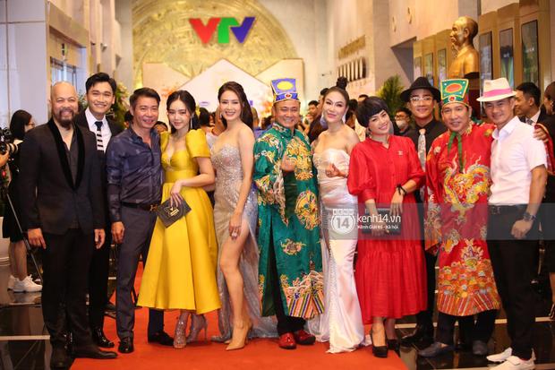 Ngược đời như Quỳnh Kool: Bình thường khéo ăn vận tôn dáng cao ráo, dự VTV Awards lại tự dìm vì đầm công chúa lỡ cỡ - Ảnh 4.