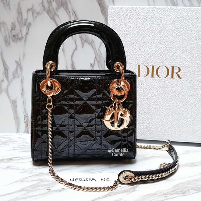 """Chỉ qua góc ảnh lấp ló, hội """"cú vọ"""" đã soi ra quà sinh nhật Quang Hải tặng """"vợ yêu"""" Huỳnh Anh là túi Dior gần trăm triệu - Ảnh 3."""