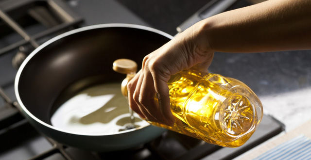 """Đừng bao giờ dùng 2 loại dầu ăn này để nấu nướng cho gia đình vì chúng nguy hiểm ngang """"thuốc độc"""", tiềm ẩn nhiều nguy cơ bệnh tật và ung thư - Ảnh 5."""