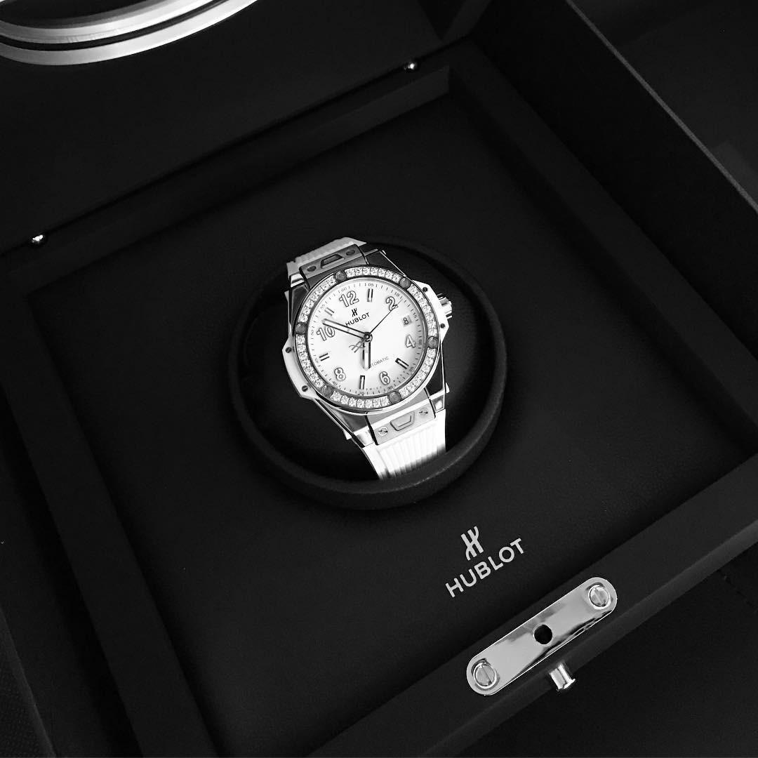 """Ngọc Trinh vừa """"chốt đơn"""" đồng hồ 1,8 tỷ nhanh gọn nhưng đây chưa phải chiếc đắt nhất trong BST đồng hồ của cô - Ảnh 8."""