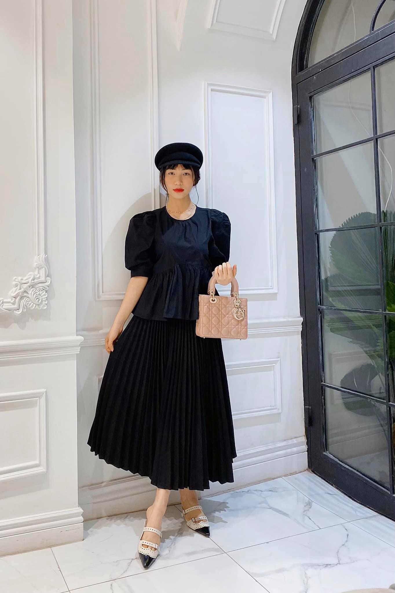 """Mới năm ngoái còn thanh lý túi hiệu để làm MV, năm nay Hòa Minzy đã sắm hẳn 3 túi Hermès và loạt """"bé iu"""" đắt tiền khác - Ảnh 6."""