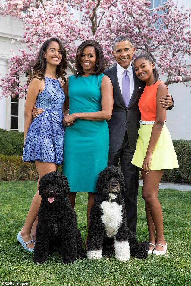 """Vợ cựu Tổng thống Obama tiết lộ điều cực sốc về cuộc hôn nhân của mình, từng nghĩ nhiều đến hành động """"bạo lực"""" - Ảnh 2."""