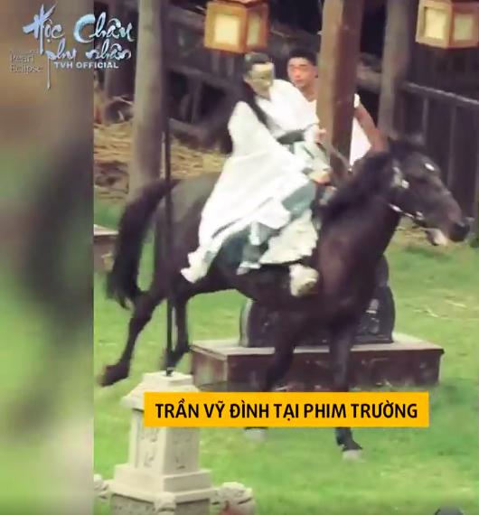 Dương Mịch làm phi tần xinh đẹp, Trần Vỹ Đình không dùng thế thân tự cưỡi ngựa trên trường quay  - Ảnh 7.