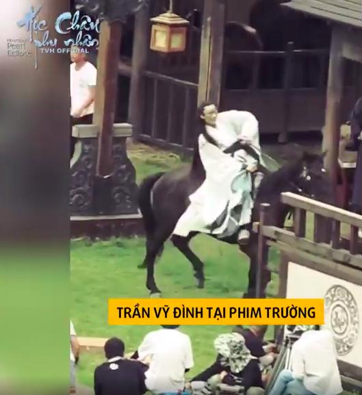 Dương Mịch làm phi tần xinh đẹp, Trần Vỹ Đình không dùng thế thân tự cưỡi ngựa trên trường quay  - Ảnh 8.