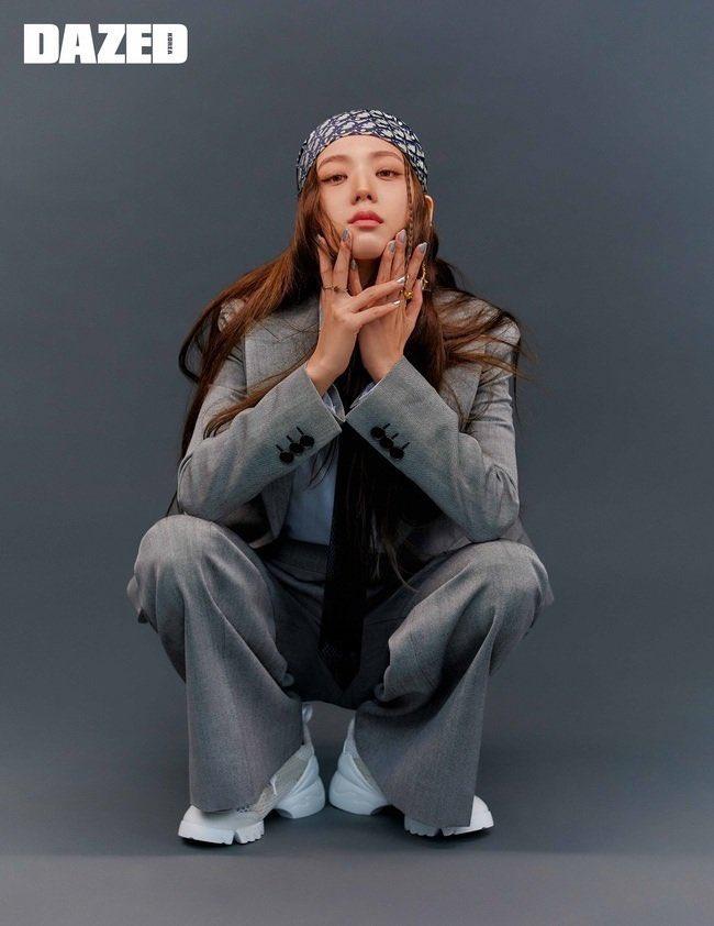 """Nếu không phải Jisoo thì đố ai """"cân"""" được kiểu makeup buồn ngủ thế này: Đẳng cấp của """"idol đẹp như Hoa hậu"""" đâu phải nói suông! - Ảnh 10."""