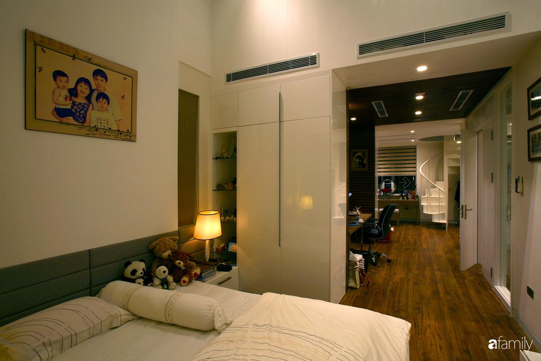 Cải tạo căn nhà 280m² thành không gian hiện đại, hướng ngoại ở Hà Nội  - Ảnh 11.