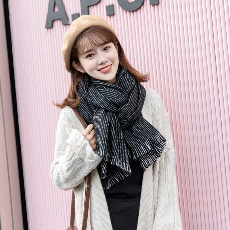 5 kiểu quàng khăn đậm style Hàn Quốc: Không chỉ ấm áp, sang chảnh mà hack chiều cao tài tình cho nàng thấp bé - Ảnh 6.