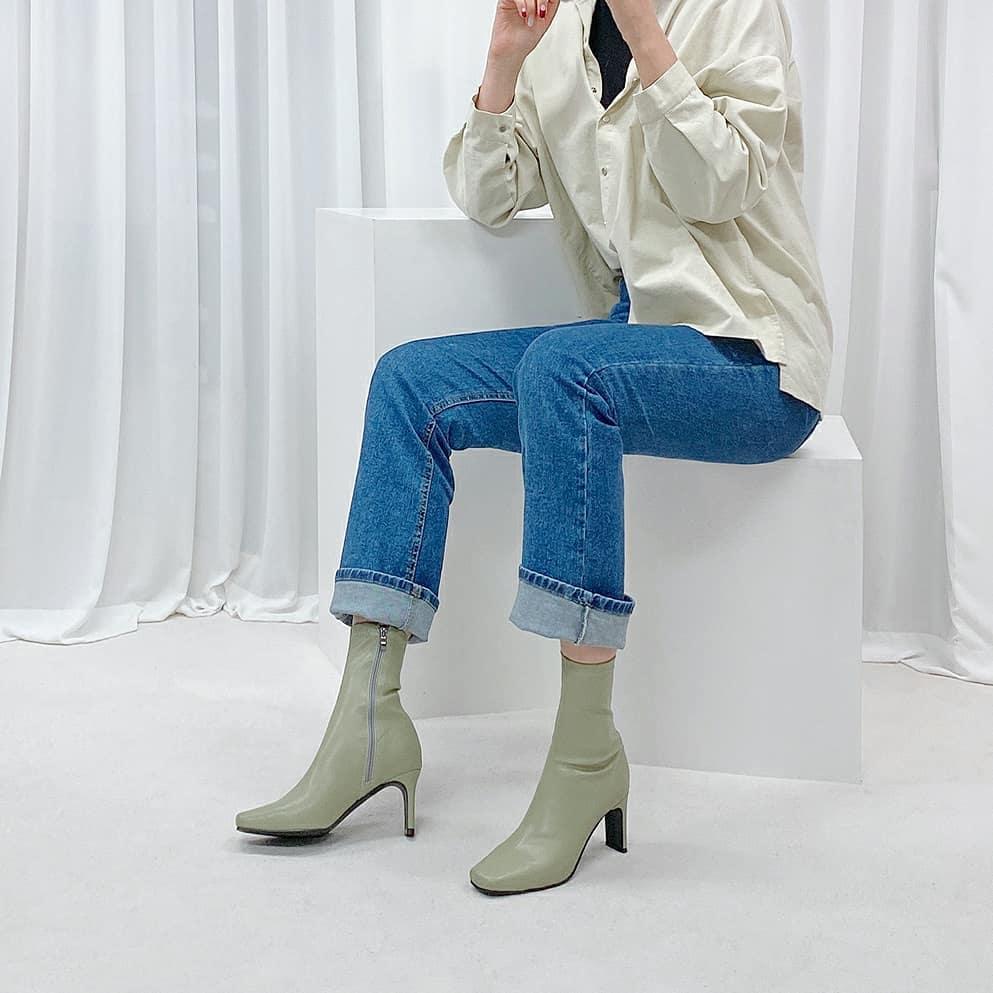 Công thức giảm béo vạn năng đến từ cặp đôi boots + quần:  - Ảnh 2.
