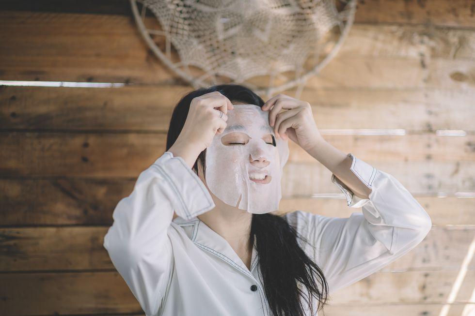 """Vỗ toner trực tiếp lên da lãng phí mà """"tốn công vô ích"""", đây mới là cách dùng biến da căng khô nứt nẻ thành căng mịn, hồi sinh chỉ sau 1 tuần - Ảnh 4."""