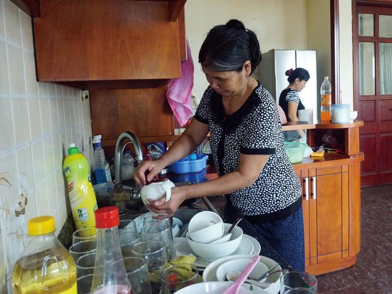 Hà Nội: Nở rộ dịch vụ người giúp việc Tết, giá 500.000 đồng/ngày - Ảnh 2.