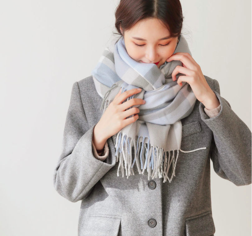 5 kiểu quàng khăn đậm style Hàn Quốc: Không chỉ ấm áp, sang chảnh mà hack chiều cao tài tình cho nàng thấp bé - Ảnh 17.