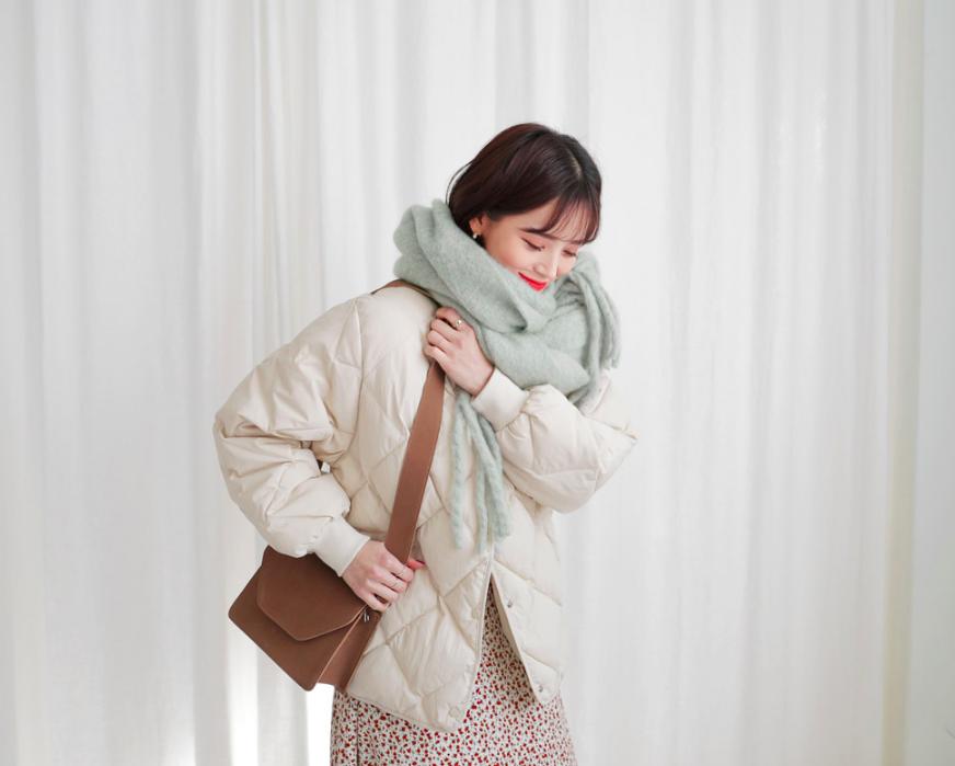 5 kiểu quàng khăn đậm style Hàn Quốc: Không chỉ ấm áp, sang chảnh mà hack chiều cao tài tình cho nàng thấp bé - Ảnh 10.