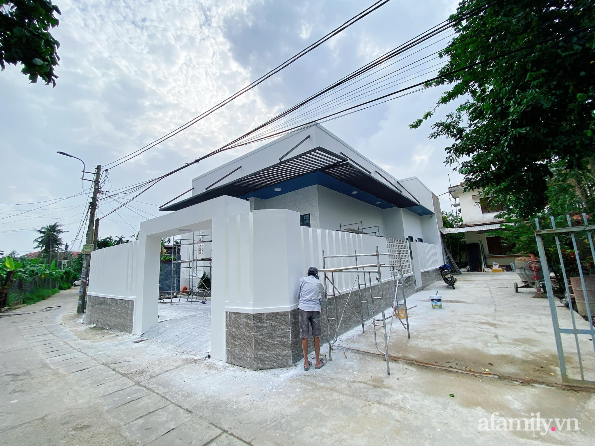 Nhà cấp 4 đầy đủ chức năng hiện đại, tiện ích với tổng chi phí hơn 1 tỷ của gia đình trẻ ở Quảng Ngãi - Ảnh 1.