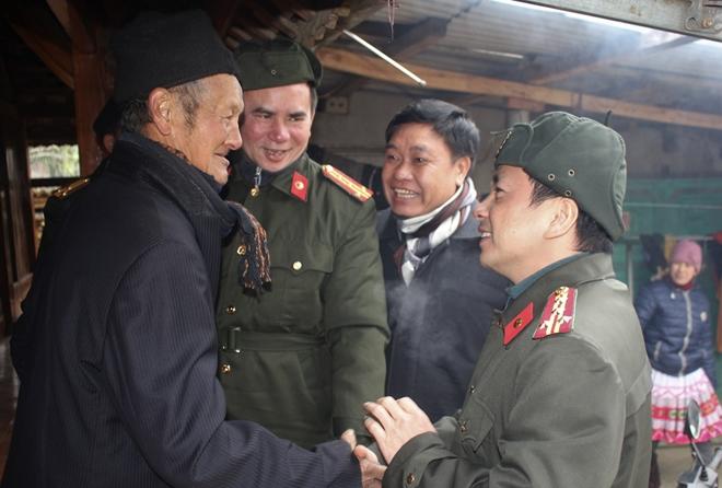 Công an tỉnh thăm, chúc tết đồng bào dân tộc Mông - Ảnh 7.