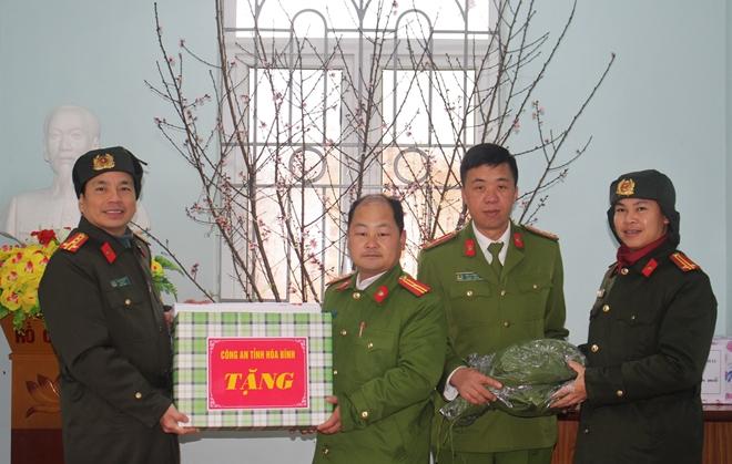 Công an tỉnh thăm, chúc tết đồng bào dân tộc Mông - Ảnh 5.