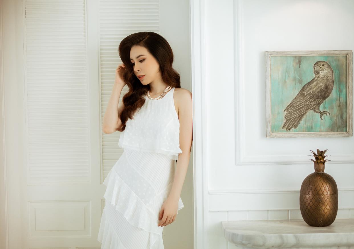 Hoa hậu Áo dài Hoàng Dung thử thách 100 ngày 100 Outfits hàng hiệu - Ảnh 1.