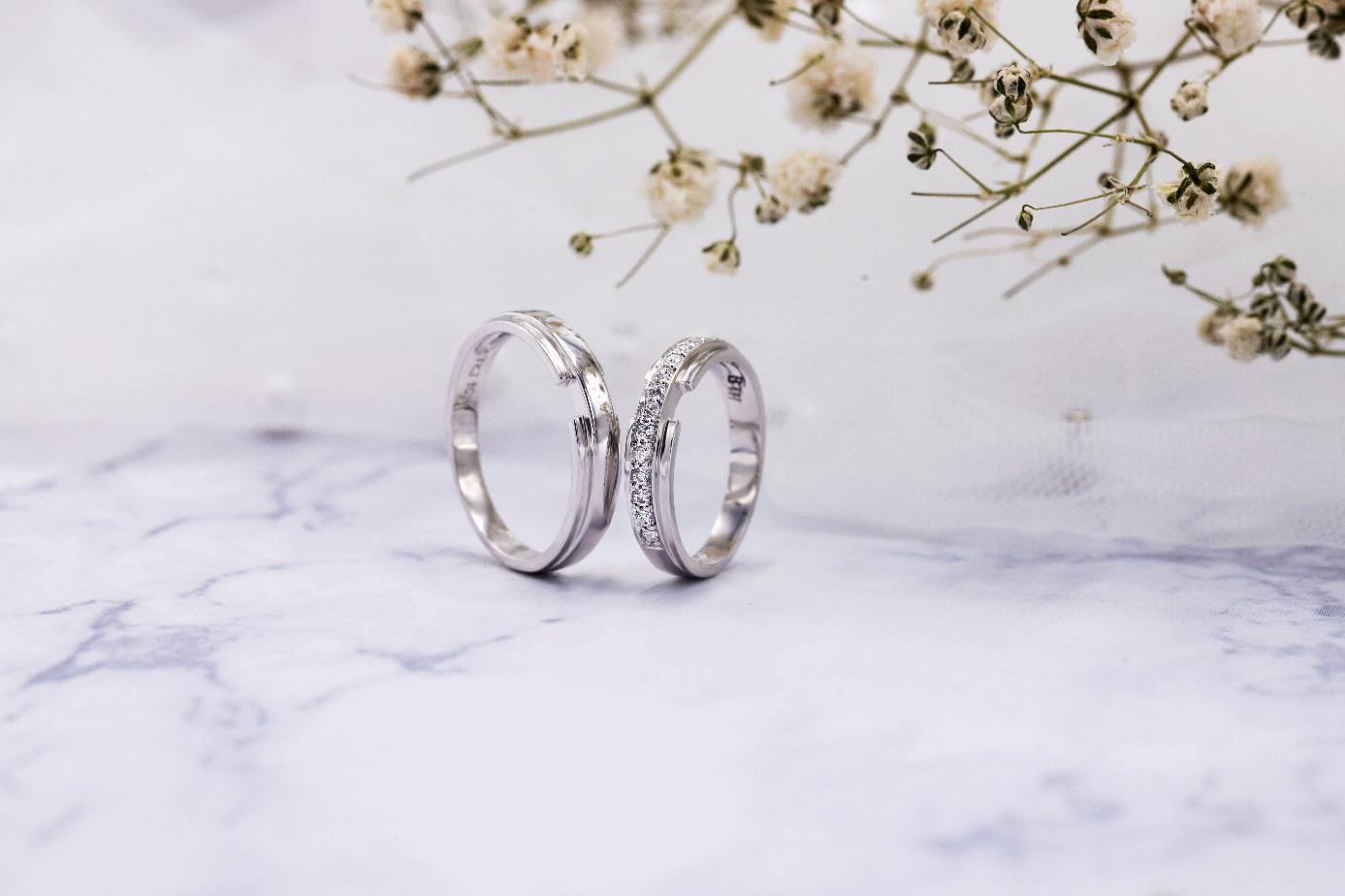 Xu hướng nhẫn cưới đơn giản và tinh tế lên ngôi đầu năm 2021 - Ảnh 2.